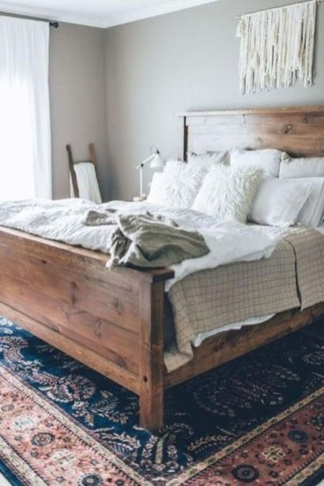 Easy Tips To Decorate Small Master Bedroom With Neutral Color 33