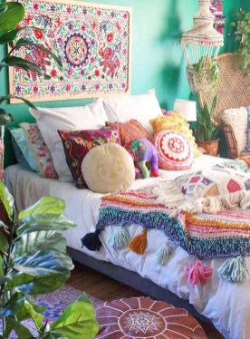 Extraordinary Bohemian Makeover To Maximize Your Room 15