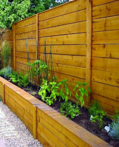 Fabulous Wooden Fences For Front Yard Remodel 10