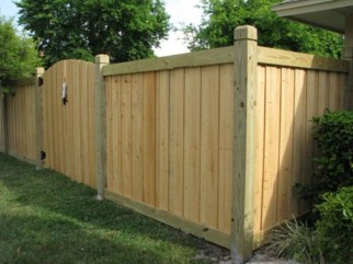 Fabulous Wooden Fences For Front Yard Remodel 24