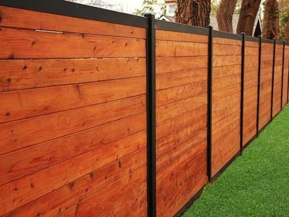 Fabulous Wooden Fences For Front Yard Remodel 35