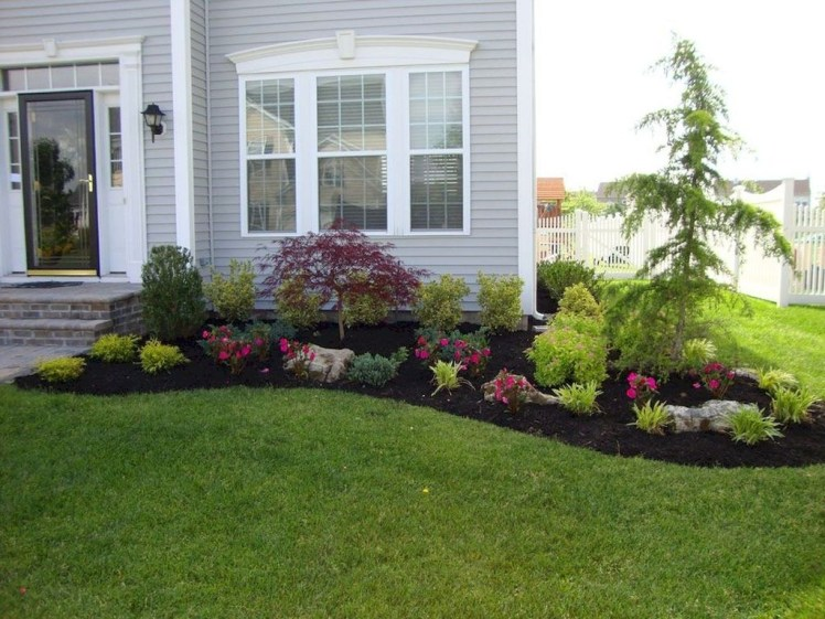 Fantastic Flower Landscape Design Ideas For Front Yard 33