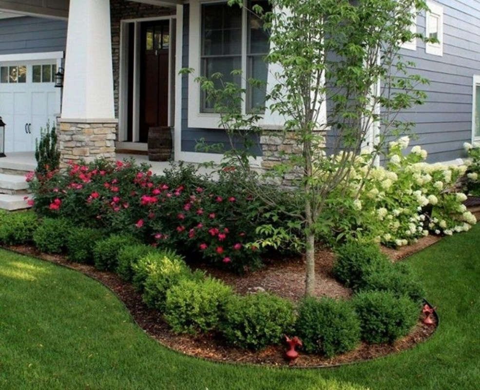 Fantastic Flower Landscape Design Ideas For Front Yard 38