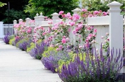 Gorgeous Garden Fences To Beautify Your Backyard 15