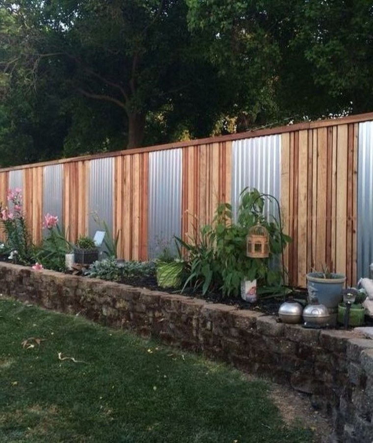 Gorgeous Garden Fences To Beautify Your Backyard 18