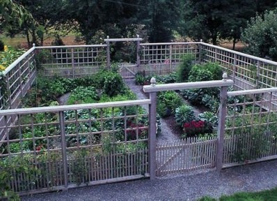 Inspiring Vegetable Garden Design For Your Backyard 33