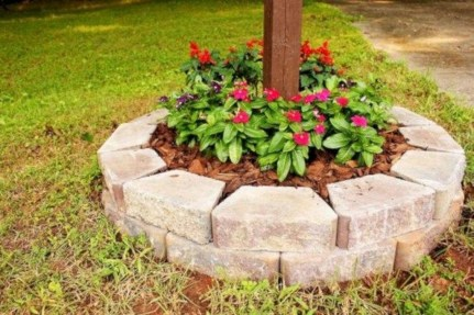 Perfect Bed Garden Design For Your Front Yard 21