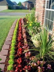 Perfect Bed Garden Design For Your Front Yard 29