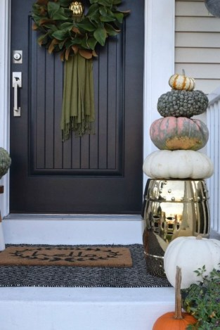 Perfect Front Porch Decoration For Fall 16