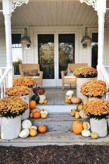 Perfect Front Porch Decoration For Fall 25