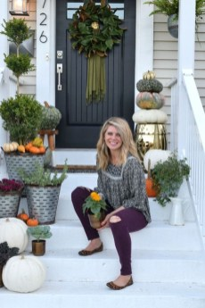 Perfect Front Porch Decoration For Fall 27