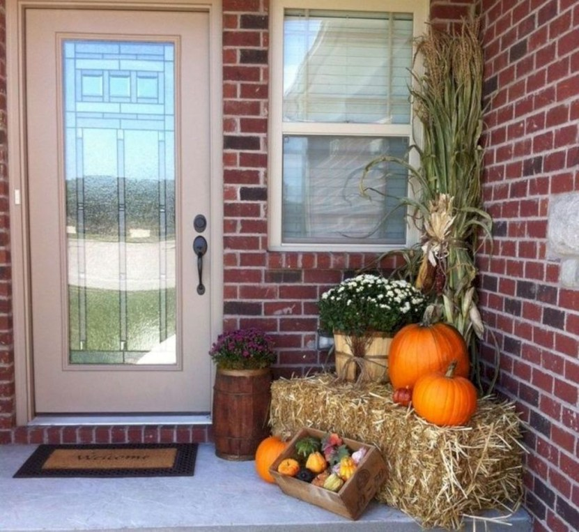 Perfect Front Porch Decoration For Fall 32