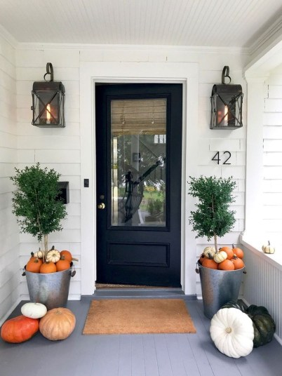 Perfect Front Porch Decoration For Fall 36