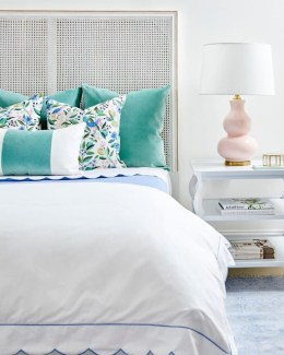 Simple And Cheap Summer Decor For Your Bedroom 04