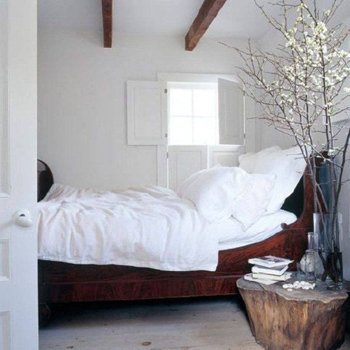 Simple And Cheap Summer Decor For Your Bedroom 09