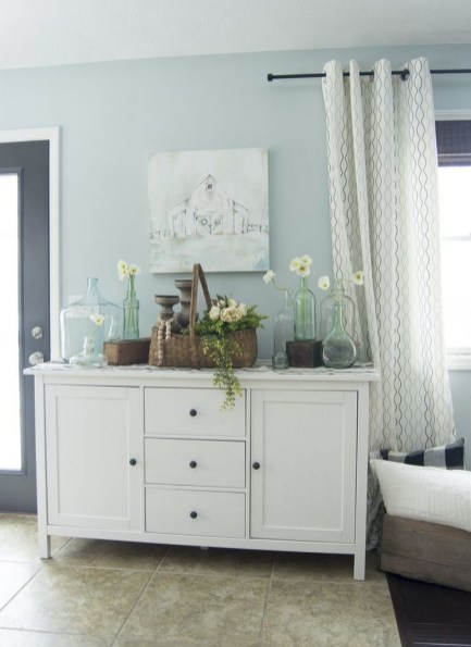 Simple And Cheap Summer Decor For Your Bedroom 22