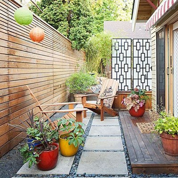 Small Courtyard Design With Some House Plants 09