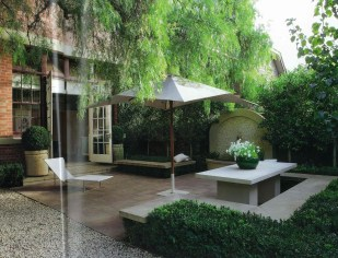 Small Courtyard Design With Some House Plants 20
