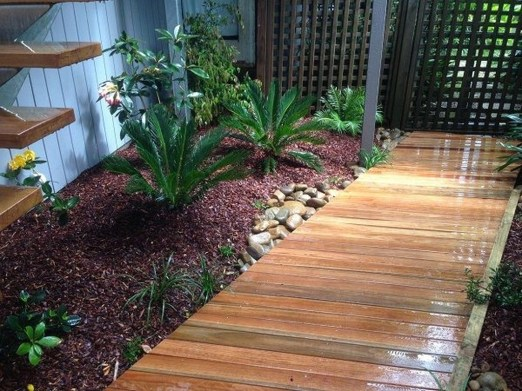 Small Courtyard Design With Some House Plants 34