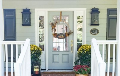 Stunning Fall Front Porch Decoration To Inspire Yourself 04
