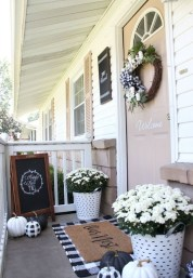 Stunning Fall Front Porch Decoration To Inspire Yourself 05