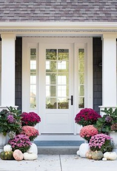 Stunning Fall Front Porch Decoration To Inspire Yourself 11