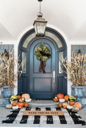 Stunning Fall Front Porch Decoration To Inspire Yourself 15