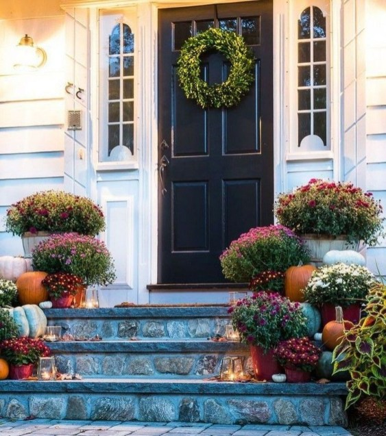 Stunning Fall Front Porch Decoration To Inspire Yourself 25