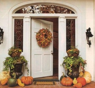 Stunning Fall Front Porch Decoration To Inspire Yourself 26
