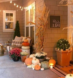 Stunning Fall Front Porch Decoration To Inspire Yourself 30