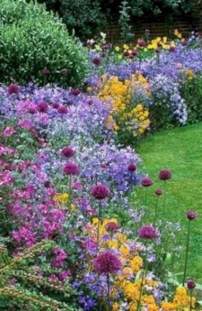 Beautiful Flower Garden Idea You Can Try 06