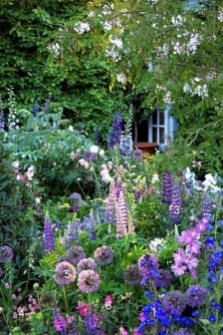 Beautiful Flower Garden Idea You Can Try 14