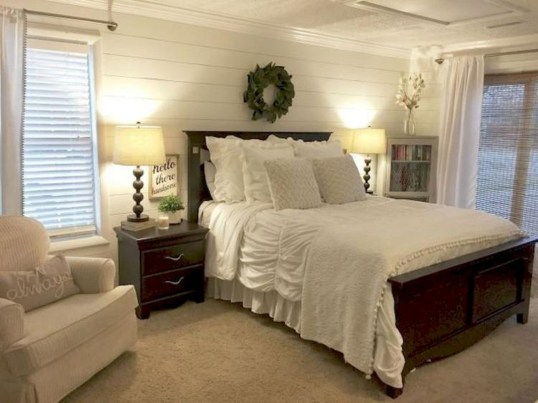 Best Farmhouse Bedroom Decoration You Can Do 08