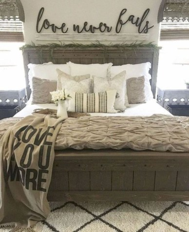 Best Farmhouse Bedroom Decoration You Can Do 28