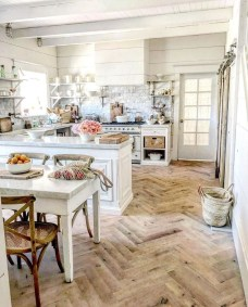 Farmhouse Kitchen Decorating Ideas With Wooden Cabinet 12