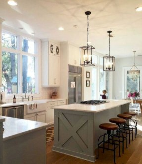 Farmhouse Kitchen Decorating Ideas With Wooden Cabinet 16
