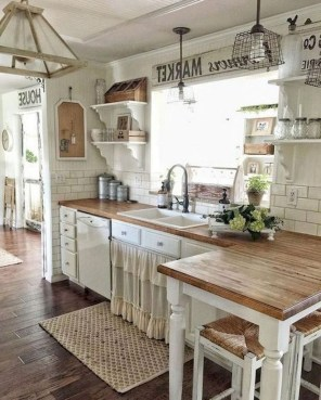 Farmhouse Kitchen Decorating Ideas With Wooden Cabinet 25