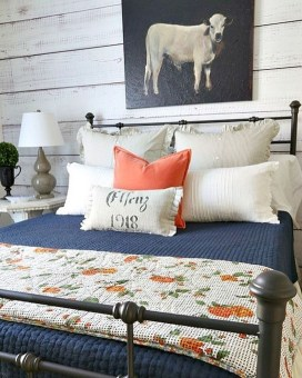 Nice Fall Bedroom Decoration For Farmhouse Style 05