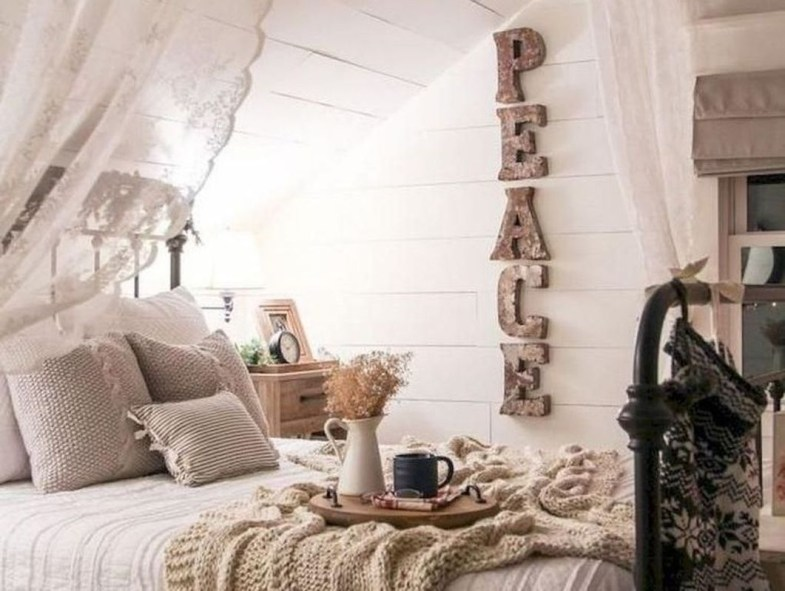 Nice Fall Bedroom Decoration For Farmhouse Style 24