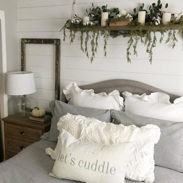 Nice Fall Bedroom Decoration For Farmhouse Style 25