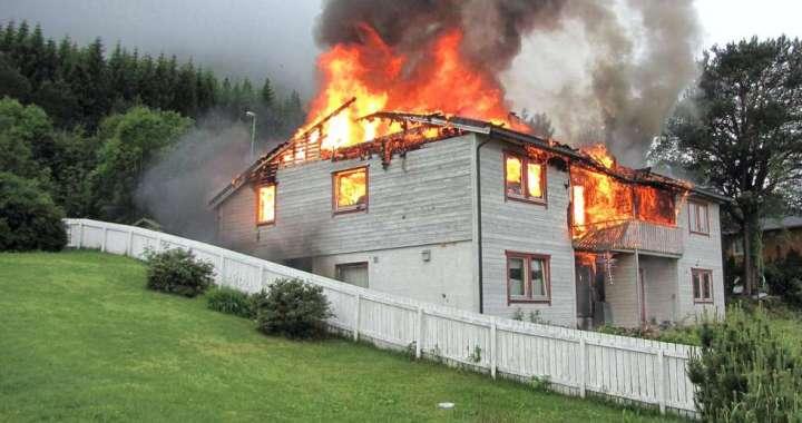 brann i hus