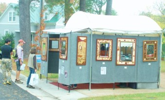 Art vendors were scattered throughout the festival.