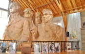 Borglum's 1/12th Scale Model in the Sculptor's Studio. Note Washington's coat, Lincoln's and Jefferson's hands that were never finished.