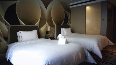 Twin guestroom yang kasurnya comfy banget.
