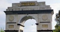 Gerbang Trizara Resorts yang mendapat pengaruh India - renjanatuju.com