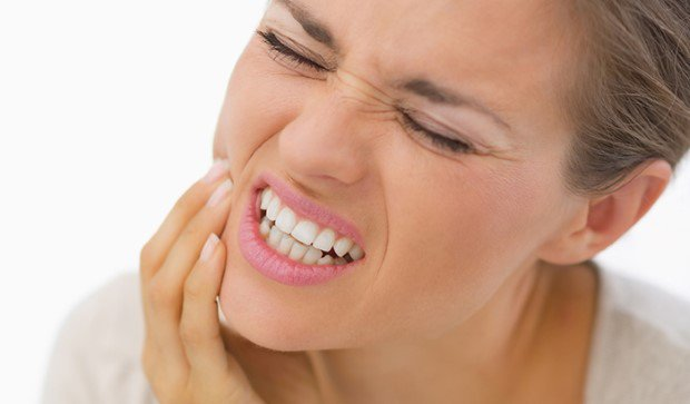 Kıskançlık Dişlere Vuruyor!