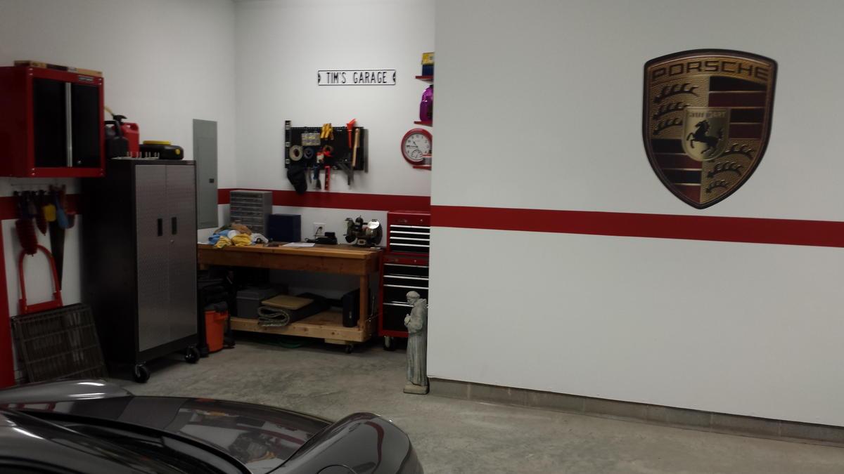 Garage Decorations/Memorabilia - Rennlist Discussion Forums on Garage Decoration  id=31987