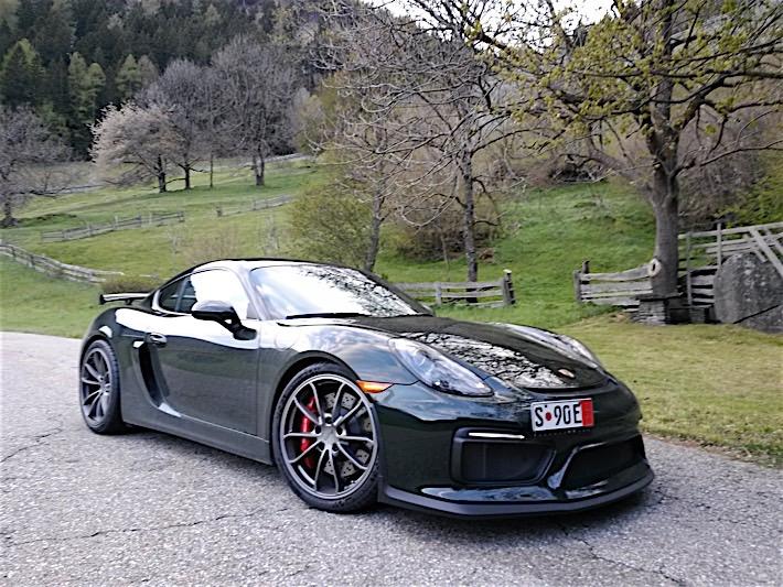 Porsche Cayman GT4 in Brewster Green_10