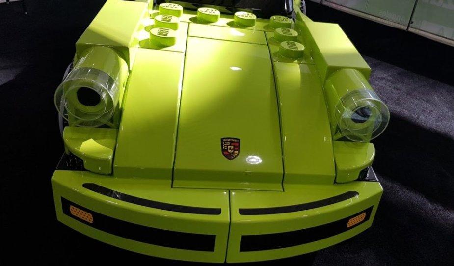 Lego Porsche 911 Turbo 3.0 Front High