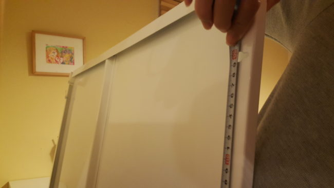 IKEA ホワイトボード VEMUND 取り付け ビスピッチ